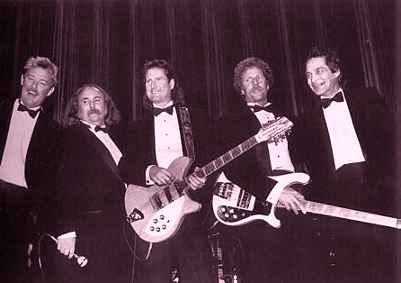 Mike Clarke, David Crosby, Roger McGuinn, Chris Hillman, Gene Clark